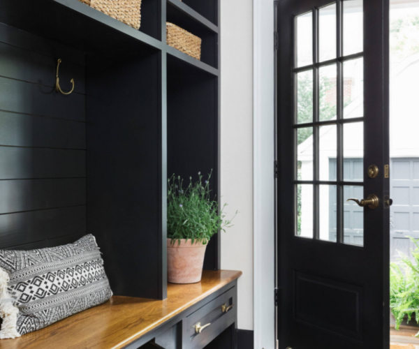 shiplap-mudroom-bench-gray-natural-wood-entry