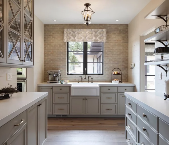 shiplap-kitchen-white-brick-backsplash