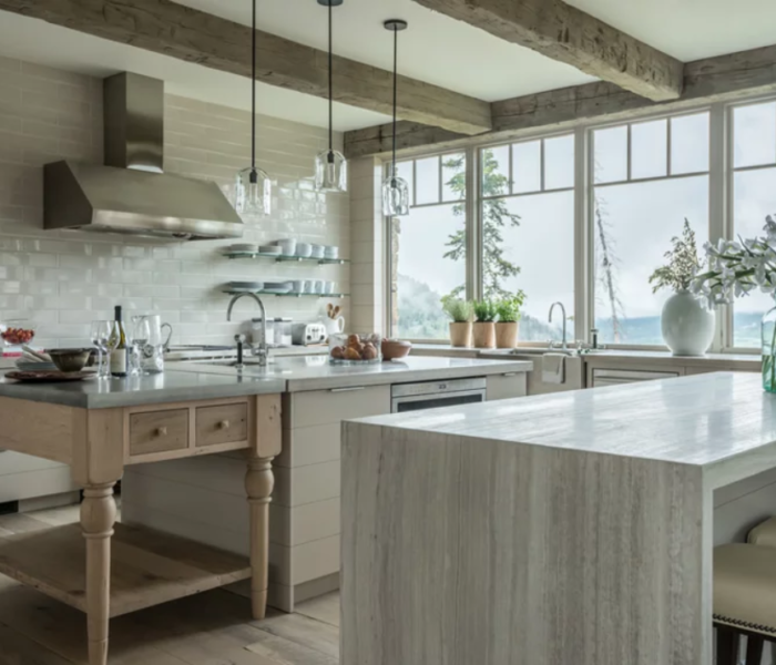 shiplap-kitchen-white-island-accent-wall