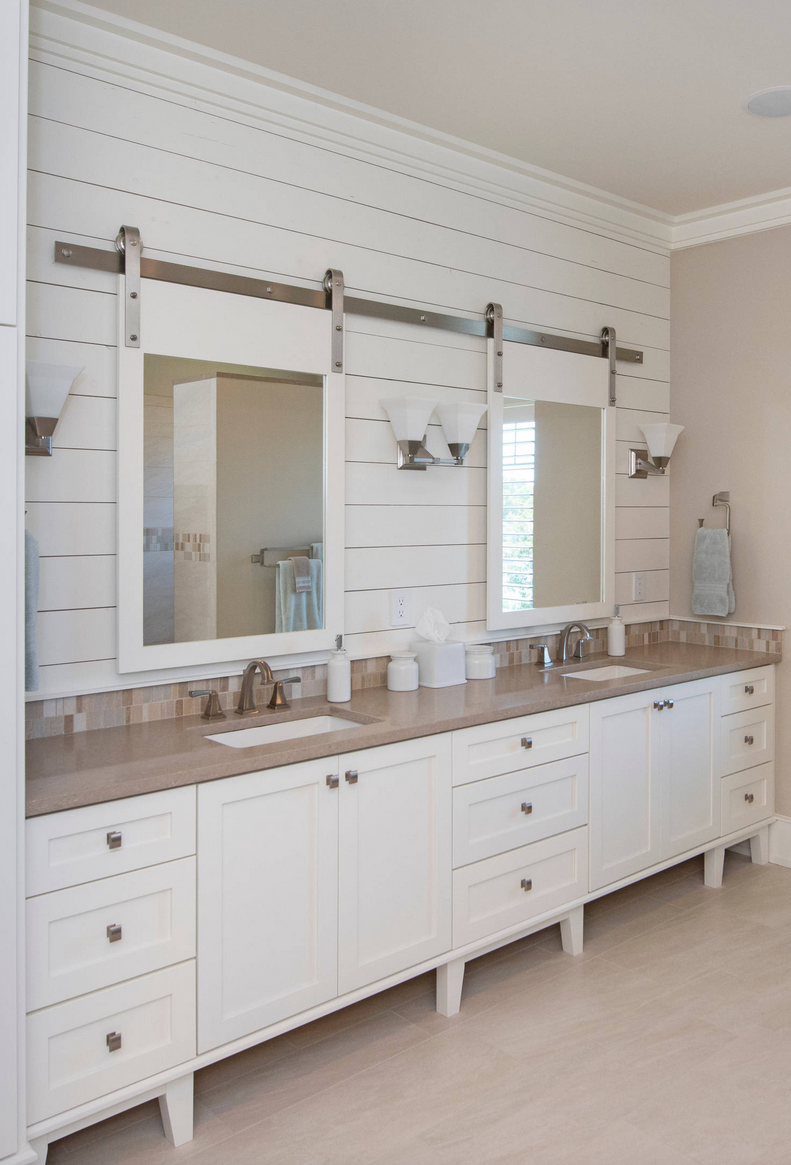 shiplap-bathroom-backsplash-sliding-mirror